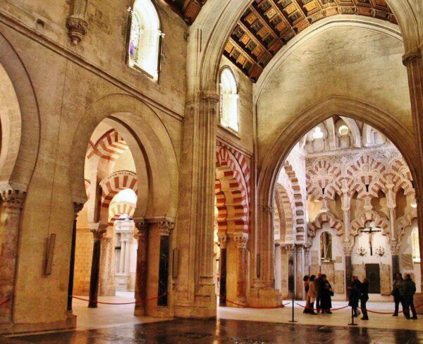 Nave gótica del siglo XIII en la Mezquita de Córdoba