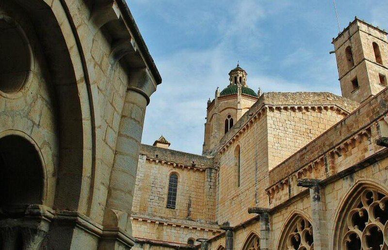 Monasterio de Santes Creus en Ruta del Císter en Cataluña