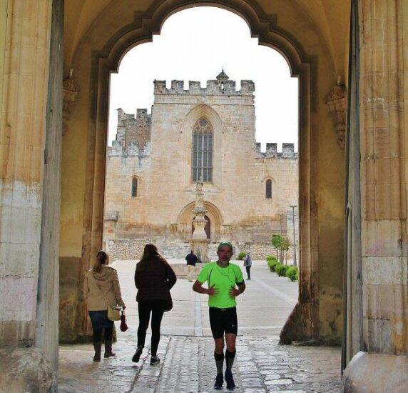 Arco Real de acceso al Monasterio de Santes Creus en Cataluña