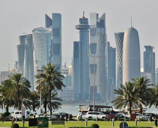 Paseo marítimo Corniche en Doha en Qatar