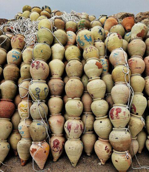 Tinajas para capturar pulpos en la isla de Djerba