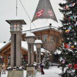 Línea del Círculo Polar Artico en Santa Claus Village en Rovaniemi
