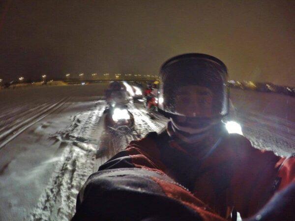Tour en motonieve para ver auroras boreales en Rovaniemi