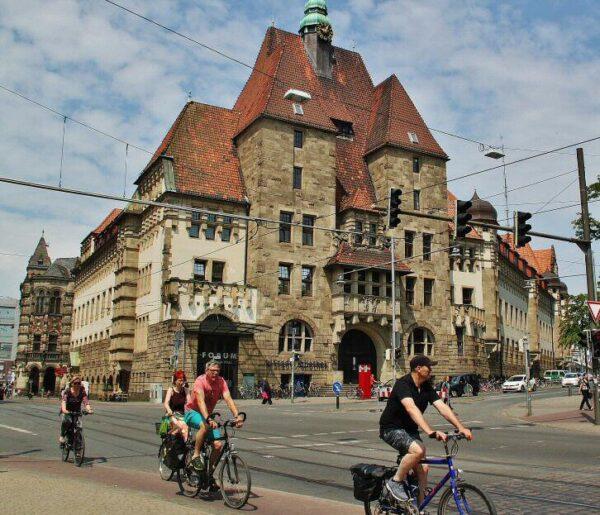 Bicicletas en el centro histórico de Bremen