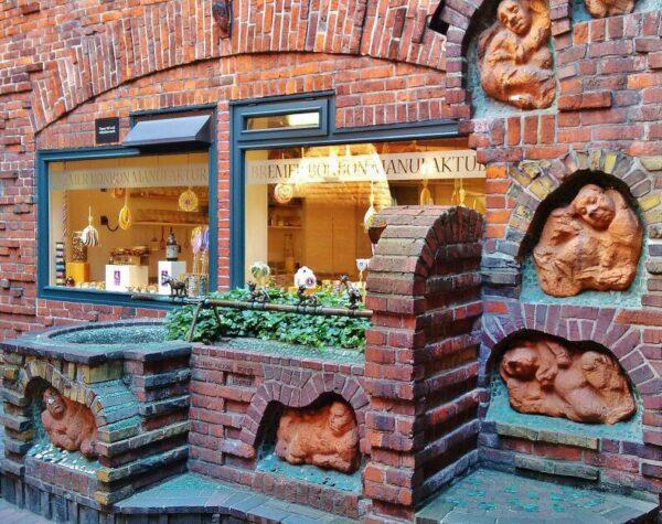 Rincón modernista en la calle de los Toneleros de Bremen en Alemania