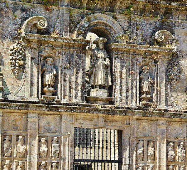 Puerta Santa en la catedral de Santiago de Compostela