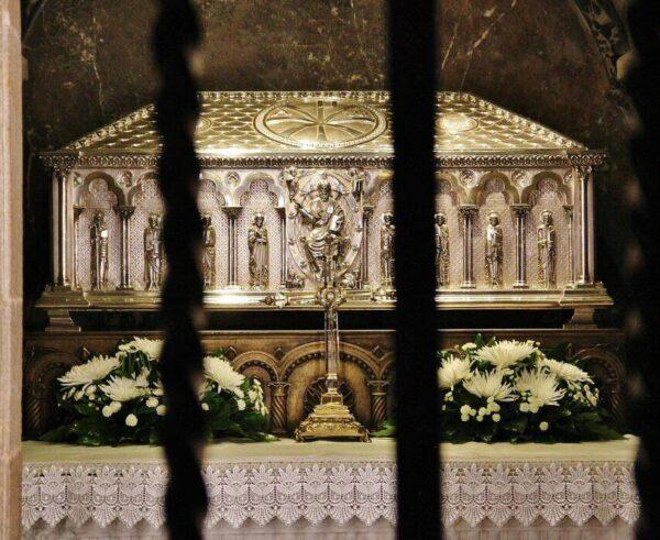 Sepulcro del Apostol Santiago en la catedral de Santiago de Compostela