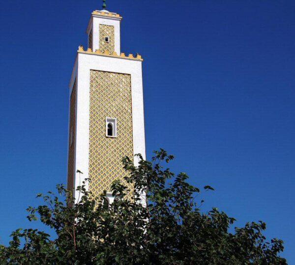 Torre minarete de la Gran Mezquita del centro de Tetuán