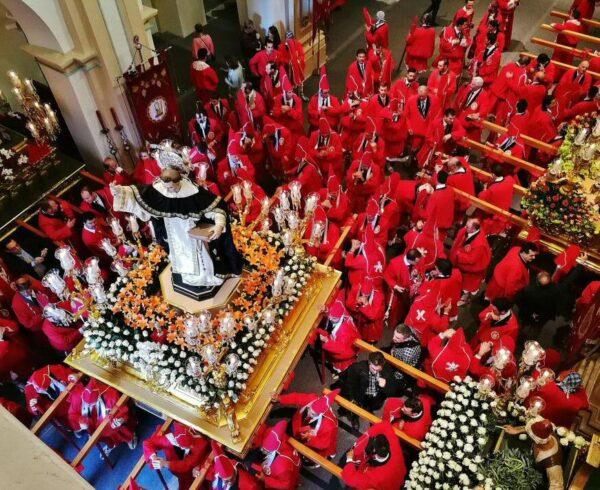 Procesión de los Coloraos en Semana Santa de Murcia