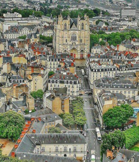 Vista panorámica de Nantes desde la Torre de Bretaña