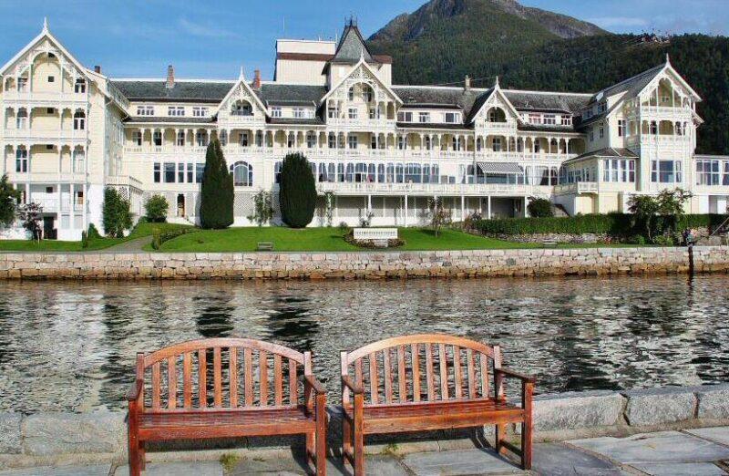 Hotel Kviknes en Balestrand en Sognefjord en Noruega