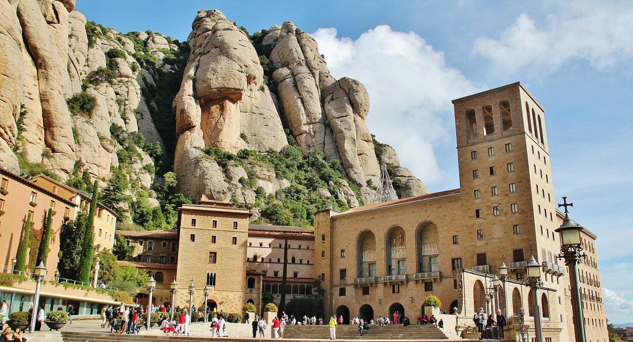 Cómo visitar y qué ver en Monasterio Montserrat (Barcelona): horarios    Guías Viajar