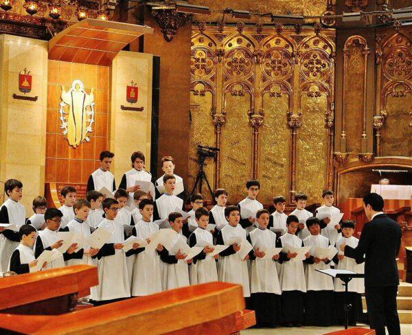 Escolanía en la Basílica del Monasterio de Montserrat