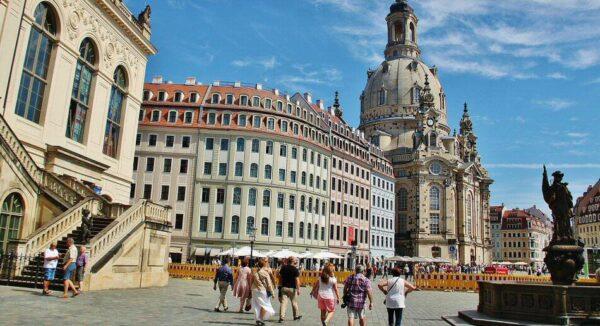 Iglesia Frauenkirche en la plaza Neumarkt de Dresde