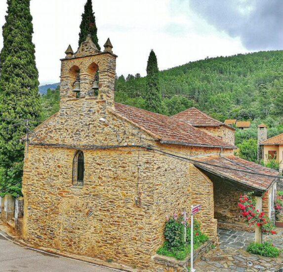 Iglesia de Las Mestas en Las Hurdes en provincia de Cáceres