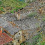 Arquitectura negra de pizarra en Riomalo de Arriba en Las Hurdes