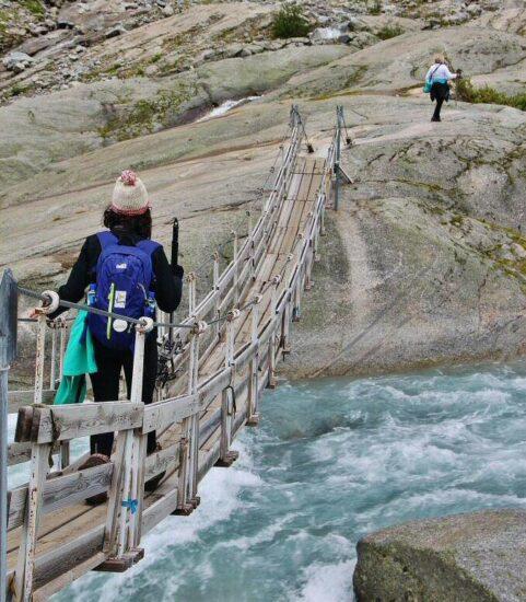 Ruta de senderismo hasta el glaciar Jostedal en Noruega