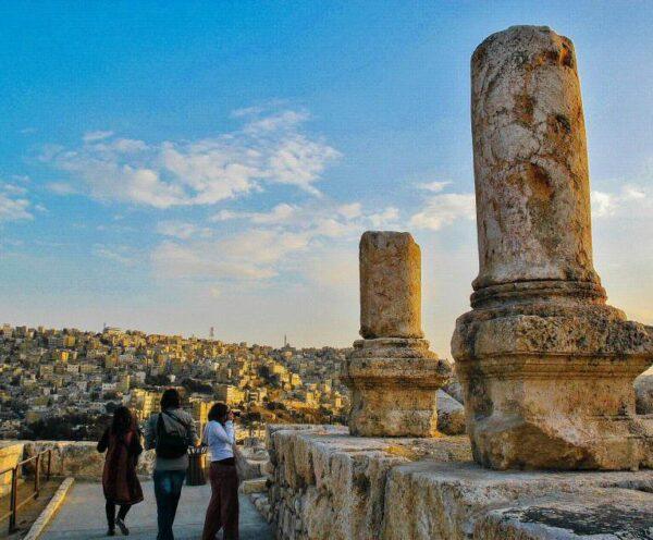 Restos romanos en la ciudadela de Amman en Jordania