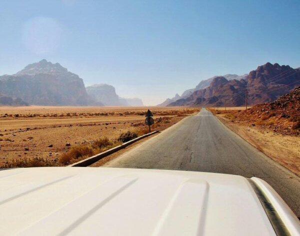 Excursión en todo terreno por el desierto Wadi Rum en Jordania