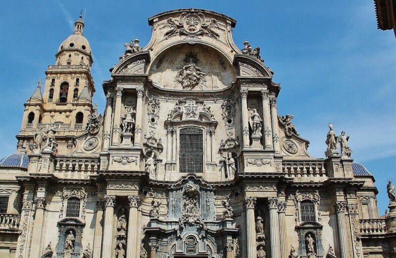 Portada barroca de la catedral de Murcia