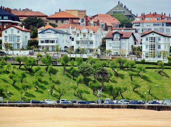 Playa de la Concha en la zona del Sardinero en Santander