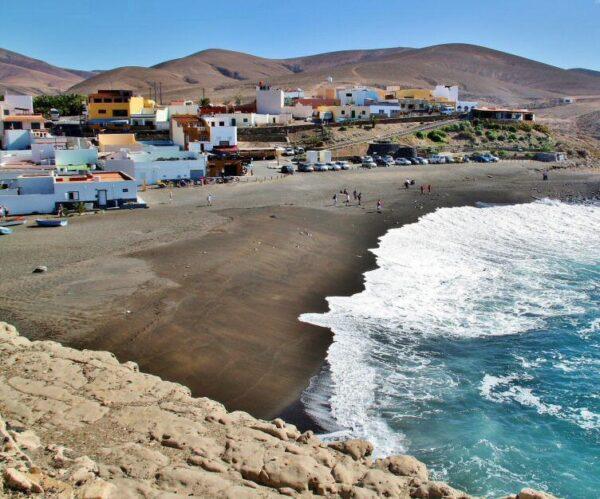 Playa de Ajuy en Fuerteventura en Canarias