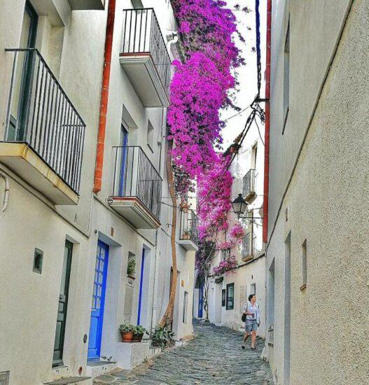 Cadaqués en la Costa Brava de Cataluña