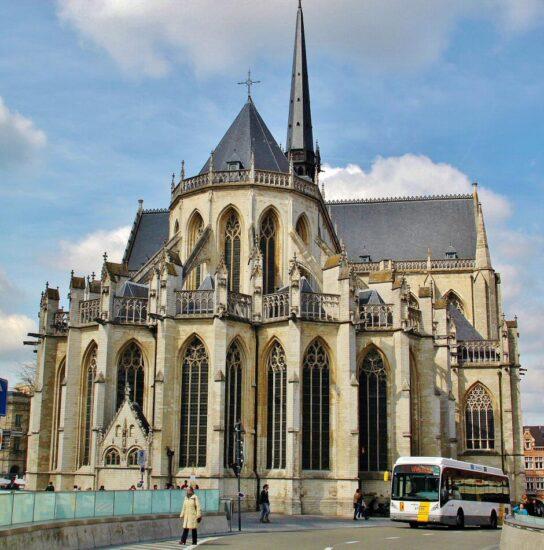 Iglesia de San Pedro en Lovaina en Flandes en Bélgica