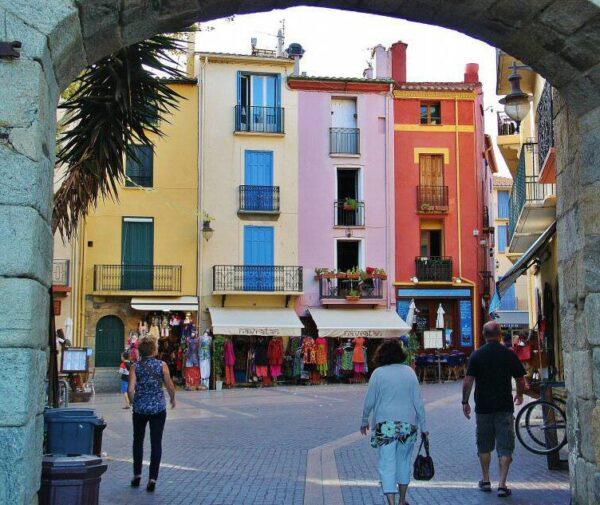 Rincón del casco histórico de Collioure en Perpiñán