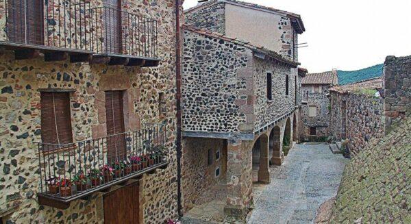 Santa Pau en La Garrotxa en la provincia de Girona en Cataluña