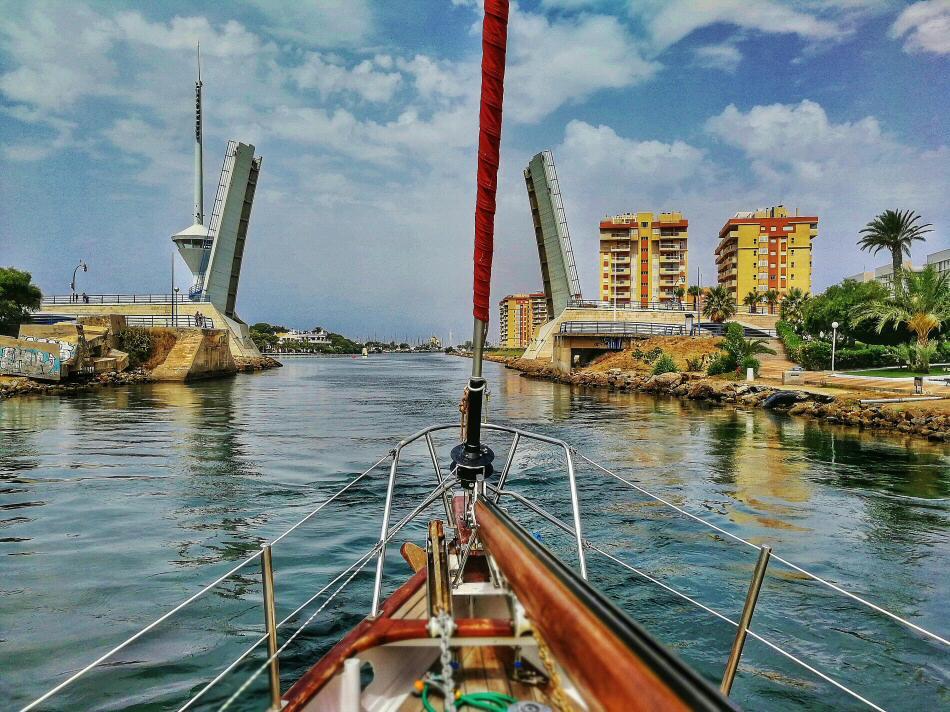 Paseo en velero por el Mar Menor y su entorno en Murcia
