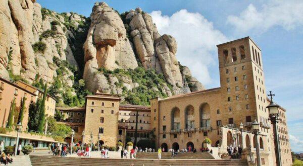 Monasterio de Monserrat cerca de Barcelona