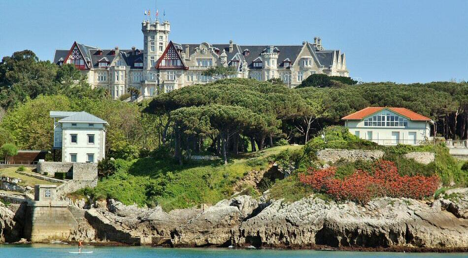 5bdb2cd6198e 15 mejores sitios que ver y visitar en Santander | Guías Viajar