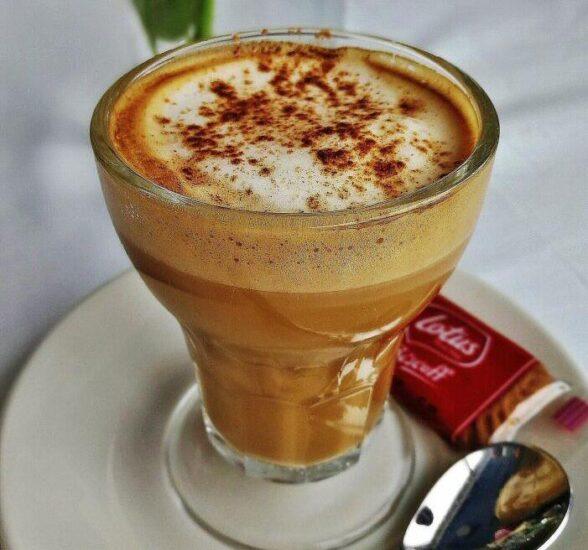 Café asiático en el Mar Menor en Murcia