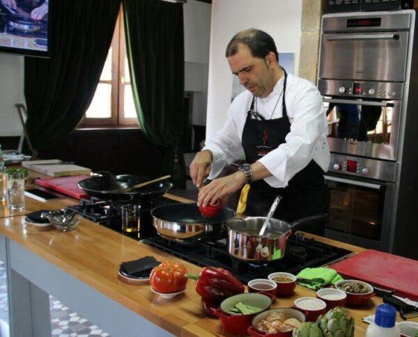 Jesús Sánchez en el Taller de cocina del Cenador de Amós