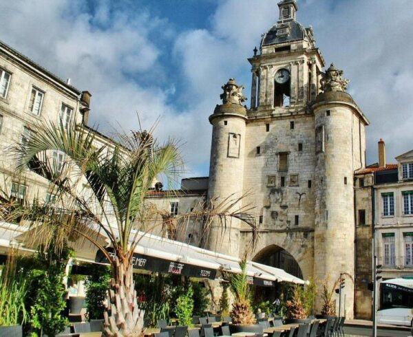 Torre del Reloj en La Rochelle al oeste de Francia