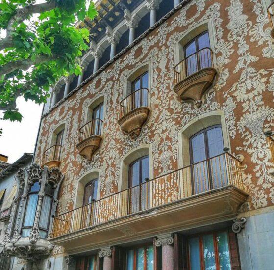 Casa modernista Solá Morales en Olot en La Garrotxa