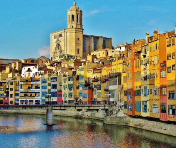 Casas del río Onyar en Girona