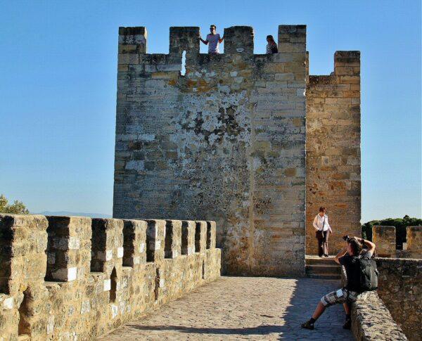 Castillejo en el castillo de San Jorge en Lisboa