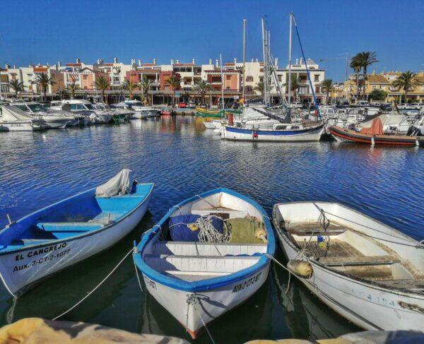 Puerto del pueblo de Cabo de Palos junto al Mar Menor