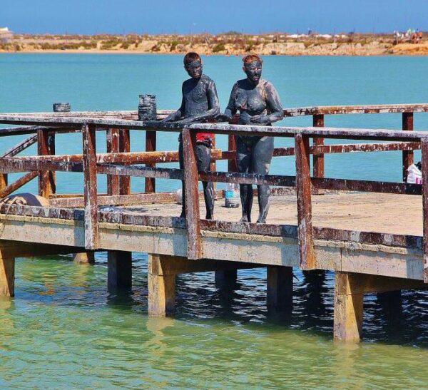 Baños de lodos en San Pedro de Pinatar en el Mar Menor