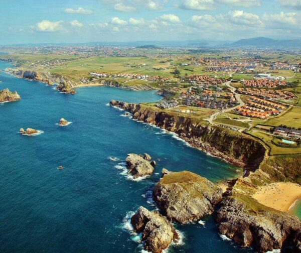 Paisaje costero en los alrededores de Santander