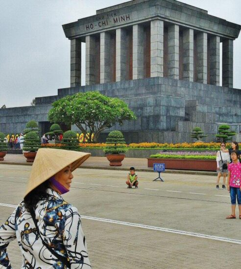 Mausoleo de Ho Chi Ming en Hanoi en Vietnam