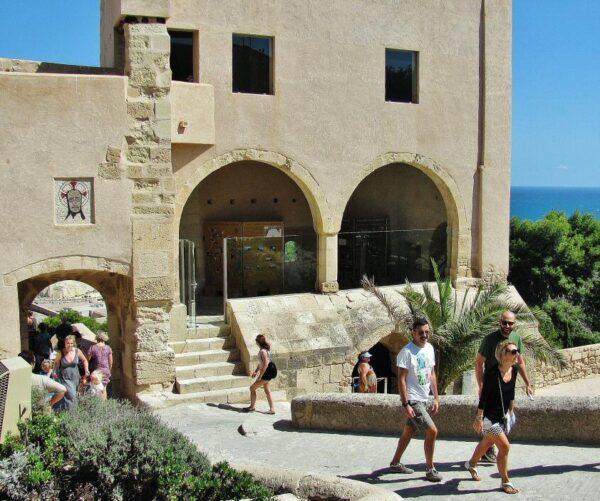 Rincón del castillo de Santa Bárbara en Alicante