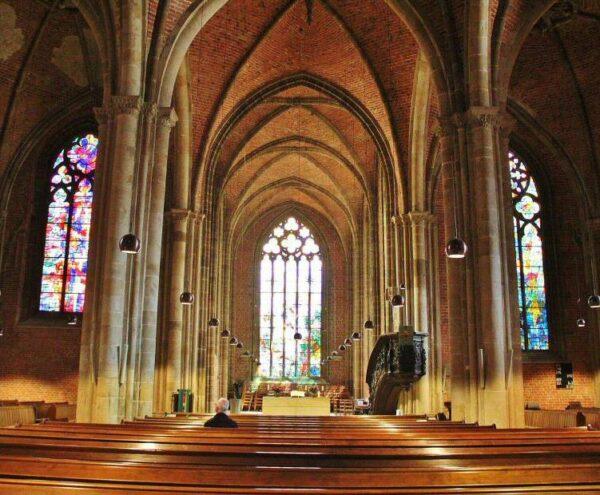 Interior de la iglesia de Nuestra Señora en Bremen