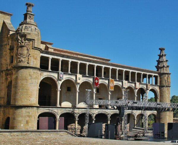 Galería de Carlos V en Conventual de San Benito en Alcántara