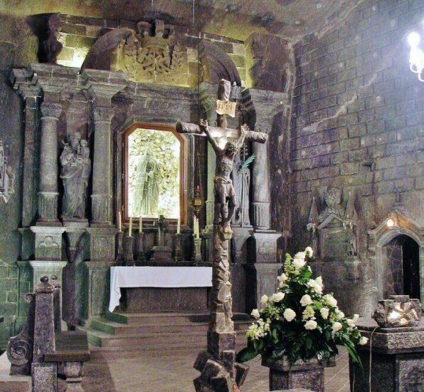 Capilla de Santa Kinga en las minas de Sal de Wieliczka en Cracovia