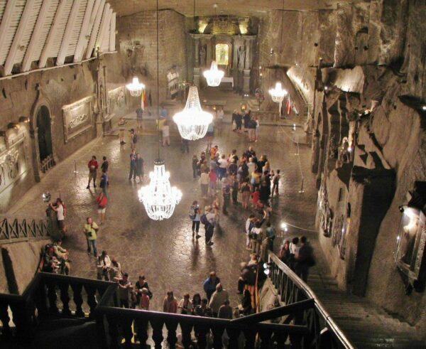 Gran sala de la capilla de Santa Kinga en las minas de Sal de Wieliczka