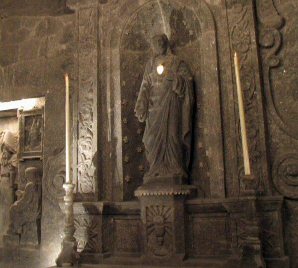 Escultura de sal en las minas de Wieliczka en Cracovia