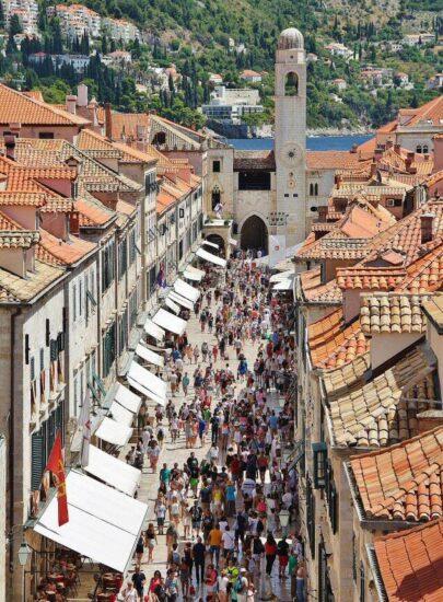 Vistas panorámicas de Dubrovnik en Croacia desde sus murallas